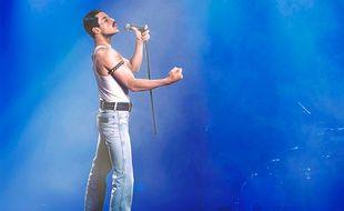 Rami Malek dans le rôle de Freddie Mercury, dans Bohemian Rhapsody