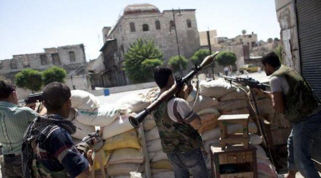 Une journaliste japonaise a été tuée lundi en couvrant les affrontements à Alep, tandis que deux reporters arabes et un troisième turc sont portés disparus dans cette deuxième ville de Syrie, rapporte l'Observatoire syrien des droits de l'Homme. – Achilleas Zavallis afp.com