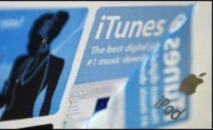 Apple, qui avait menacé de quitter le marché français lors de la discussion de la future loi sur les droits d'auteur, doit faire face à de nouvelles exigences d'interopérabilité avec des appareils concurrents, venant cette fois des pays scandinaves et de Grande-Bretagne.