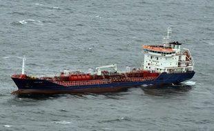 Le chimiquier Lady Ozge après la collision avec un chalutier au large du Morbihan, le 9 avril 2012.