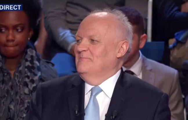 François Asselineau le 4 avril 2017 lors du deuxième débat de l'élection présidentielle.