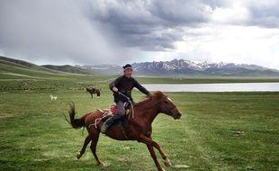 Au Kirghizistan plus que dans n'importe quel pays, le cheval occupe une place centrale dans les traditions et le mode de vie.