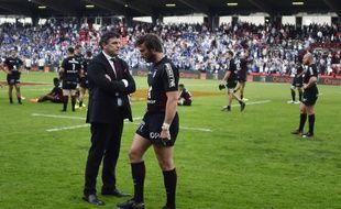 Didier Lacroix, le président du Stade Toulousain, et l'ailier Maxime Médard après la défaite contre Castres en barrage du Top 14, le 19 mai 2018 au stade Ernest-Wallon.