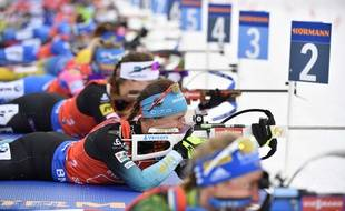 Anais Chevalier, au tir, lors du relais féminin d'Ostersund.