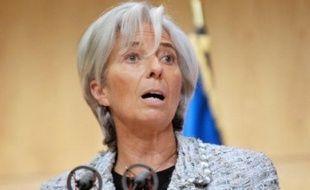 """La ministre de l'Economie, Christine Lagarde, a appelé samedi les assureurs à """"une mobilisation exemplaire"""", après la tempête qui a balayé le Sud-Ouest de la France, """"afin de limiter les conséquences de cet événement climatique pour les personnes concernées""""."""
