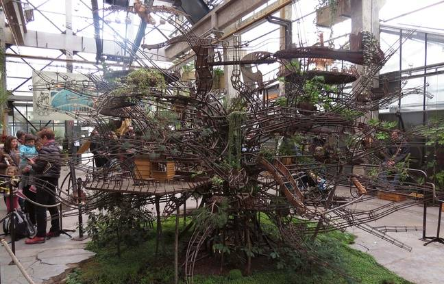 La maquette de l'Arbre aux hérons est exposée à la Galerie des machines.