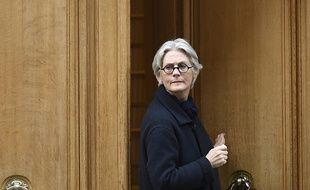 Penelope Fillon, la femme de François Fillon, quittant leur appartement le 27 mars 2017.