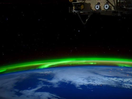Video nasa des aurores polaires film es en ultra haute for Haute definition