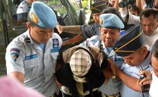 L'Australienne Schapelle Corby, dont la condamnation à 20 ans de prison pour drogue avait suscité une vive émotion dans son pays, a été libérée lundi sous conditions après plus de neuf ans derrière les barreaux.