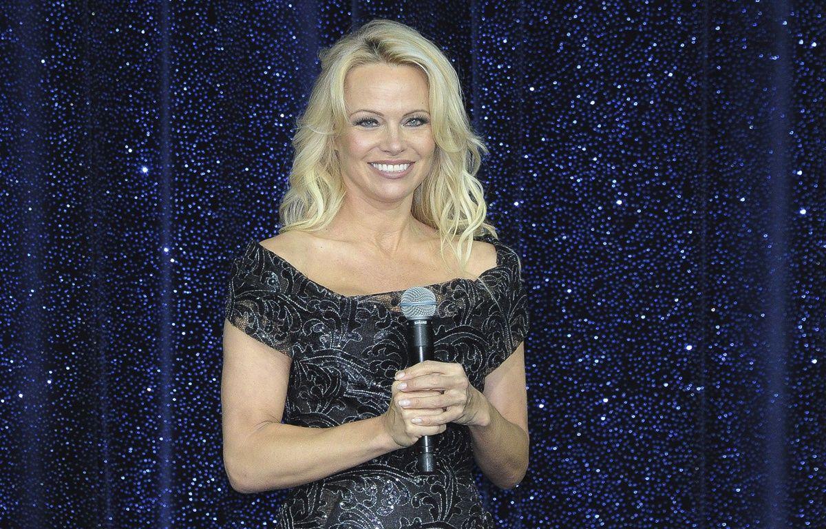 Pamela Anderson est séduite par la France insoumise de Mélenchon. – PJB/SIPA