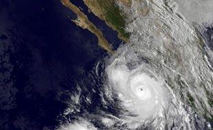 Image de la Nasa prise par le satellite GOES montrant la trajectoire de l'ouragan Odile sur les côtes mexicaines le 14 septembre 2014