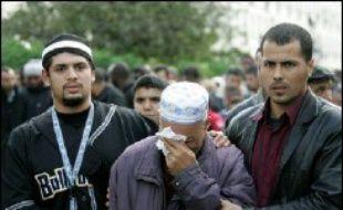 Les familles des trois jeunes électrocutés à Clichy-sous-Bois le 27 octobre 2005 vont demander la reconnaissance d'une faute de l'Etat, a-t-on appris jeudi auprès de l'un de leurs avocats, confirmant des propos tenus sur France Info.