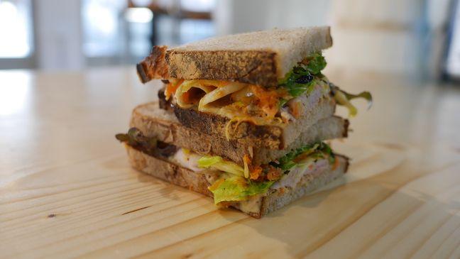 Le sandwich au jambon tonnato de Pablo Jacob, chef exécutif de « Douze »