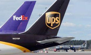 Les sociétés américaines de messagerie UPS et Fedex font l'objet d'une enquête des autorités sur des expéditions illégales de médicaments par des pharmacies en ligne, selon des documents transmis récemment au gendarme boursier américain, la SEC.