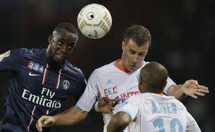 Parisiens et Marseillais lors d'un match de Coupe de la Ligue, le 31 octobre 2012, au Parc des Princes.
