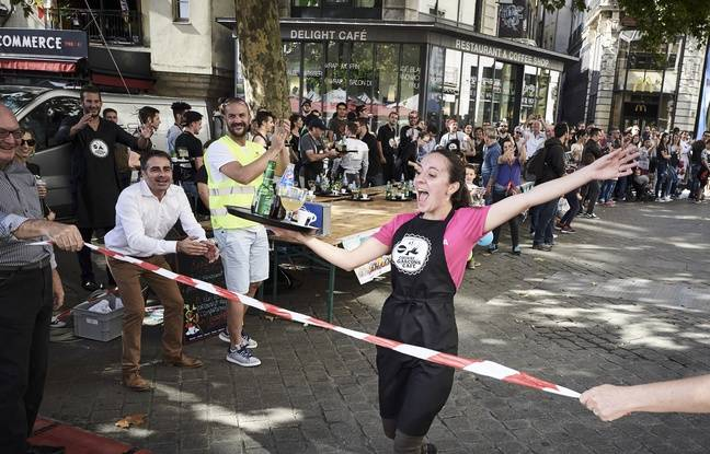 Nantes: La course des garçons de café, «c'est comme au boulot, avec plein d'applaudissements!»