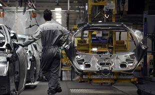 Illustration d'une chaîne de montage d'une usine automobile.