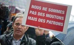 Des représentants syndicaux de chez Air France,Thales, des hôpitaux de la région mais aussi des patrons de PME se sont donné rendez-vousauCongrès duPS de Toulouse, le 26 octobre 2012.