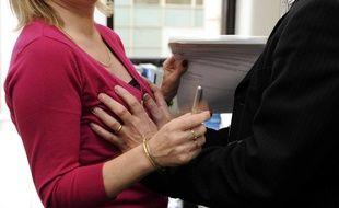Illustration d'une agression sexuelle en entreprise