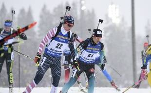 Célia Aymonier et les bleues déçoivent lors du relais dames à Hochfilzen.