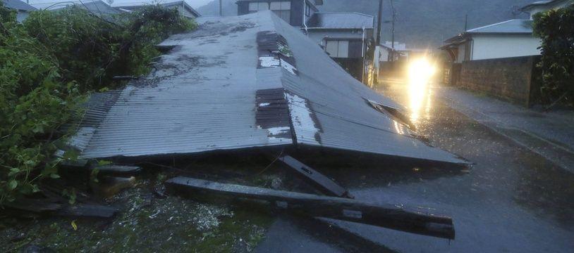 Déjà des dégâts dans la région de Kagoshima.