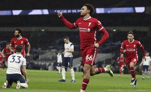 Alexander-Arnold et les Reds ont dominé les Spurs