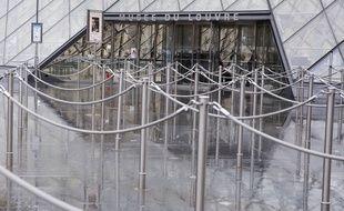 Le musée du Louvre avait fermé quelques jours début mars.