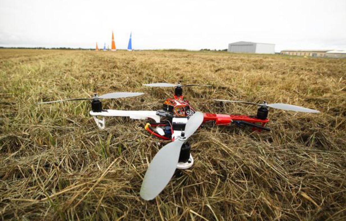 Illustration d'un drone à terre. – FRED SCHEIBER/20 MINUTES/