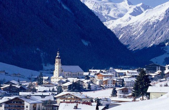 La commune de Neustift im Stubaital sous la neige