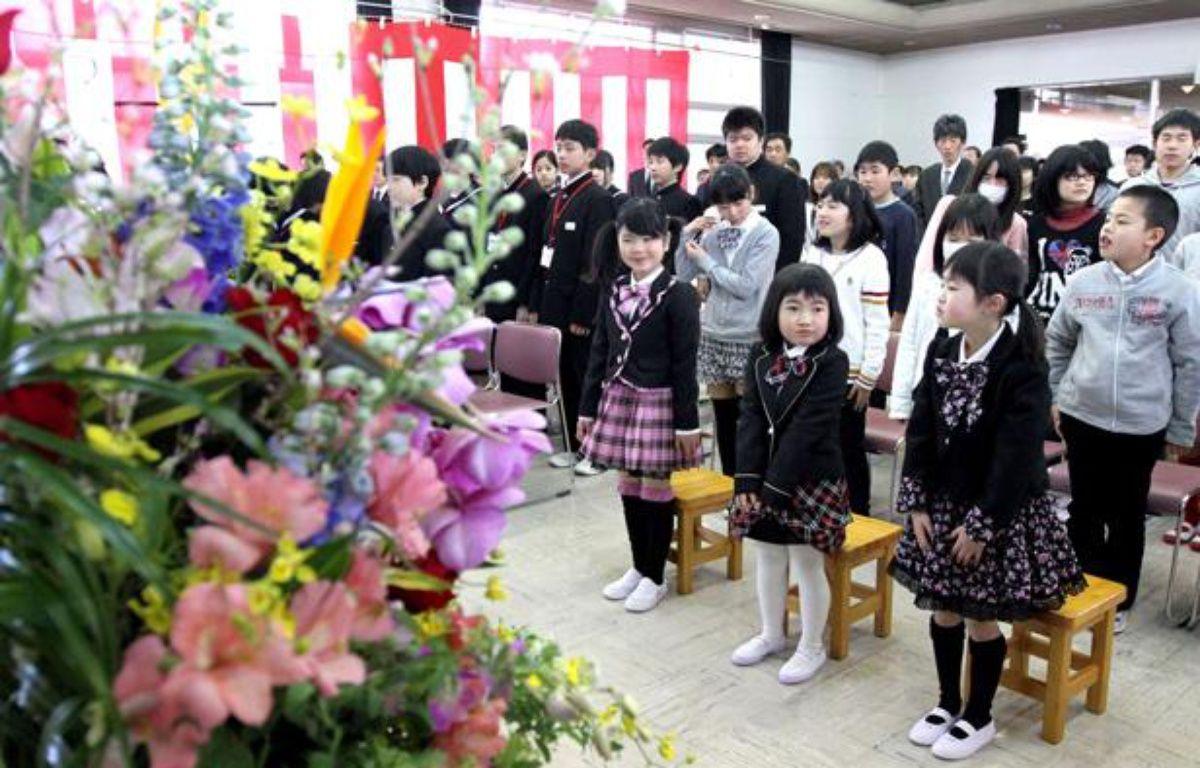 Le retour des écoliers de Kawauchi dans leur école, située près de la centrale de Fukushima, au Japon, a été marquée par une cérémonie officielle le 6 avril 2012. – Yasushi Kanno/AP/SIPA