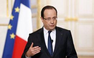 """François Hollande a annoncé que les règles qui régissent le patrimoine des responsables publics seront """"entièrement revues"""" et qu'une Haute autorité """"totalement indépendante contrôlera"""" les déclarations de patrimoine et d'intérêts des ministres, parlementaires, de certains grands élus et hauts fonctionnaires, lors d'une allocution télévisée."""