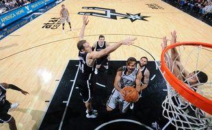 Le meneur de jeu des San Antonio Spurs Tony Parker, le 22 novembre 2014 contre Brooklyn.