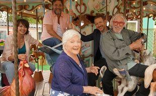 Valérie Bonneton, Guy Lecluyse, Dany Boon,Pierre Richard et Line Renaud dans « La Ch'tite Famille».