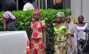 Ces lycéennes, photographiées le 2 juin à Maiduguri, ont réussi à fuir Boko Haram. Depuis, la secte a encore lancé plusieurs attaques.