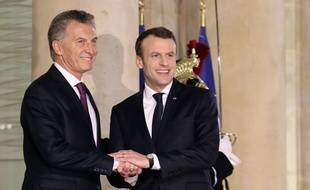 Emmanuel Macron avec son homologue argentin, Mauricio Macri, à l'Elysée, vendredi 26 janvier.