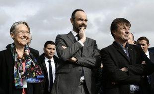 Le Premier ministre Edouard Philippe, ici aux côtés de Nicolas Hulot, ministre de la transition écologique, et d'Elisabeth Borne, ministre chargée des transports.