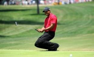 Le golfeur américain Tiger Woods, 32 ans, a subi avec succès mardi une opération de chirurgie reconstructive sur le ligament croisé antérieur de son genou gauche, a indiqué le joueur sur son site internet.