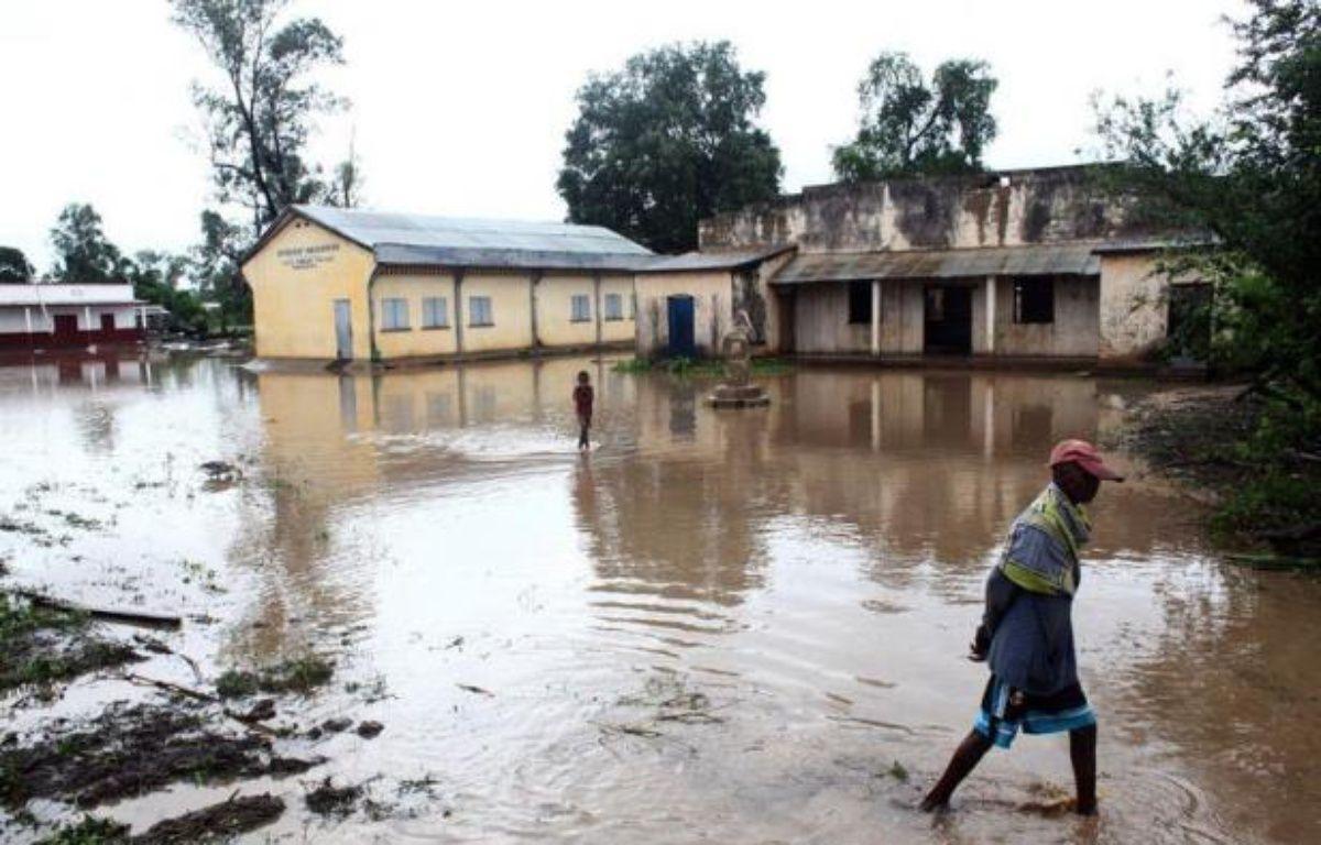 Le cyclone Haruna et les pluies qui l'ont précédé ont fait au total 10 morts, 17 blessés et près de 5.000 sinistrés en une semaine à Madagascar, a indiqué samedi le Bureau national de gestion des risques et des catastrophes (BNGRC). – Andreea Campeanu AFP
