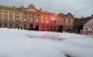 Pompiers en colère sur la place du Capitole, le 14 novembre 2016.