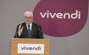 Le groupe Vivendi a dévoilé mercredi un projet de scission qui devrait mener l'opérateur SFR vers l'introduction en bourse, une annonce qui signe la fin des hostilités entre Jean-René Fourtou et Vincent Bolloré.