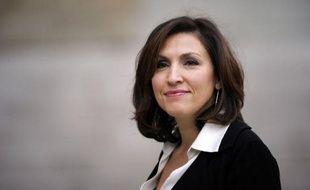 Nora Berra, secrétaire d'Etat chargée de la Santé, a dû répondre peu après son arrivée au gouvernement à des accusations du député socialiste Gérard Bapt, qui la soupçonne de conflit d'intérêts avec l'industrie pharmaceutique et demande sa démission.