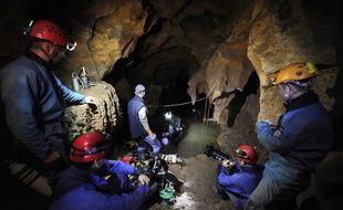 Une opération de secours de spéléologues réalisée en Ardèche en 2010.