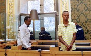 Les trois pirates somaliens qui avaient pris en otage les cinq occupants du voilier la Tanit en 2009, ont exprimé jeudi regrets et compassion envers les victimes, au quatrième jour de leur procès devant la cour d'assises d'Ille-et-Vilaine.