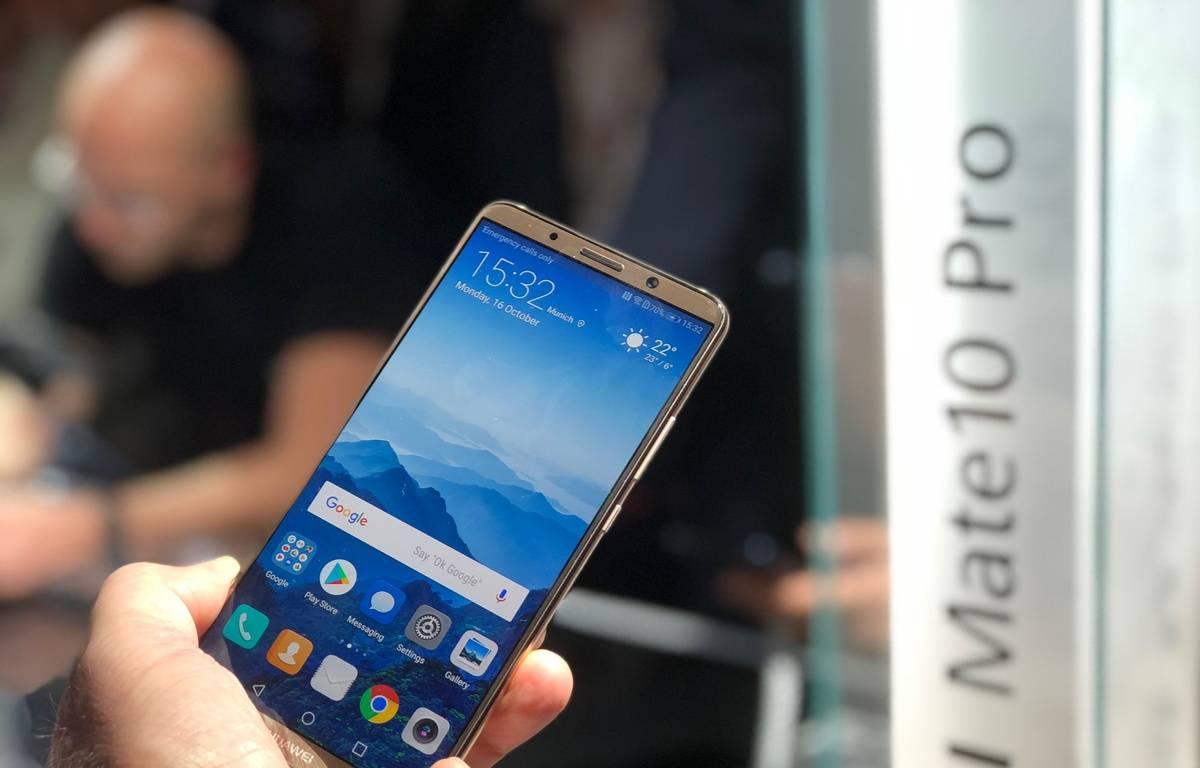 Le Huawei Mate 10 Pro, disponible en novembre. – CHRISTOPHE SEFRIN/20 MINUTES