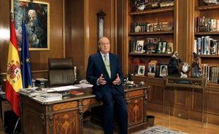 """La Maison royale d'Espagne sera inclue dans la future loi sur la transparence des comptes publics mais cette décision """"n'a rien à voir"""" avec la mise en cause de l'Infante Cristina dans une affaire de corruption, ont fait savoir vendredi les services du roi Juan Carlos."""