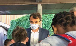 Le maire de Lyon Grégory Doucet le 1er septembre 2020 lors de la rentrée des classes.
