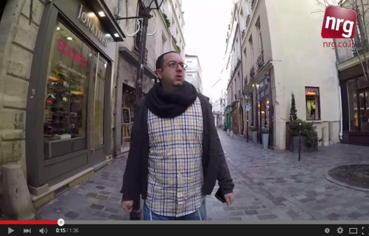 Zvika Klein s'est filmé 10h durant marchant dans les rues de la capitale coiffé d'une kippa. – Capture d'écran / Youtube