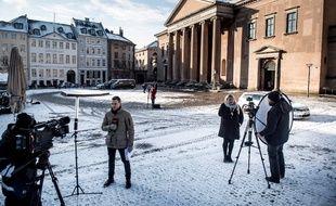 Des journalistes devant le tribunal de Copenhague, le 28 mars 2018.