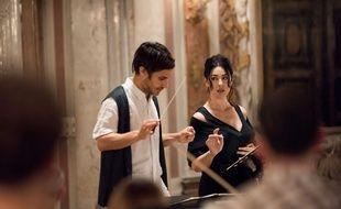 Gael Garcia Bernal et Monica Belluci, chef d'orchestre et chanteuse lyrique déjantés dans «Mozart in the Jungle».