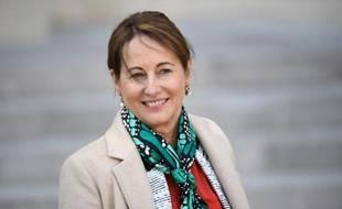 La ministre de l'Ecologie Ségolène Royal pourrait revenir sur le changement d'heure dès 2016.